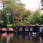 England-London-Regents-Canal-3-BG_crop